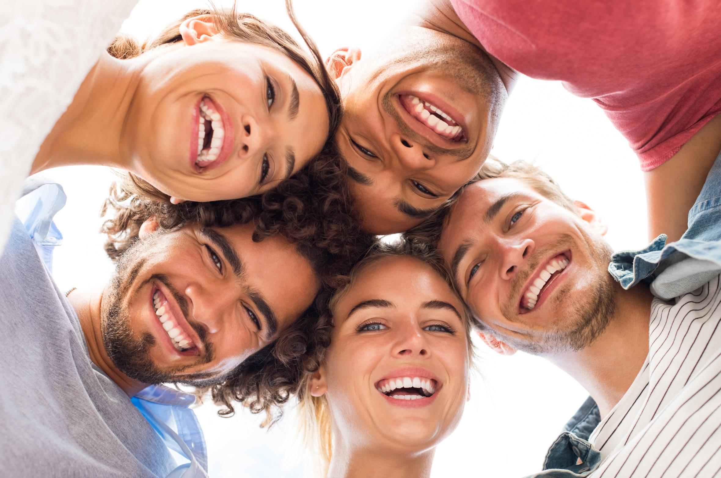 Symbolbild - gemeinsam Lachen